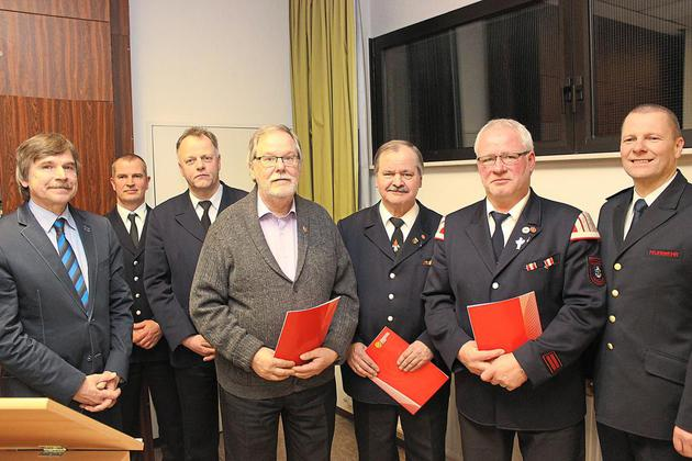 321-Mal-Alarm-fuer-die-Feuerwehr-Einsatzzahlen-auf-Rekordhoehe_image_630_420f_wn