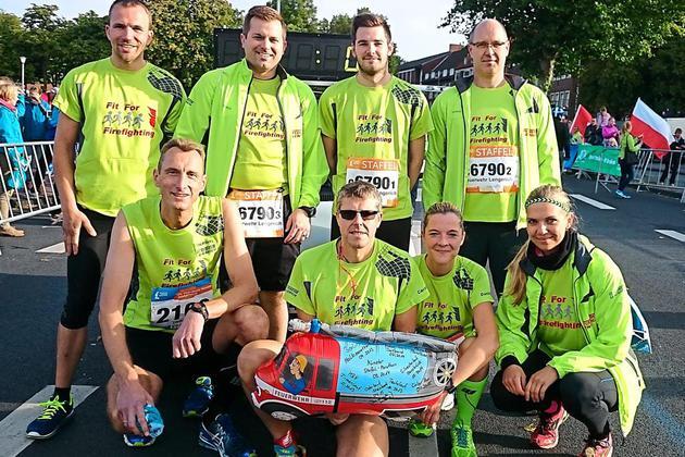 In-Muenster-auf-der-Strecke-Feuerwehr-Sportler-aus-Lengerich-laufen-Marathon_image_630_420f_wn