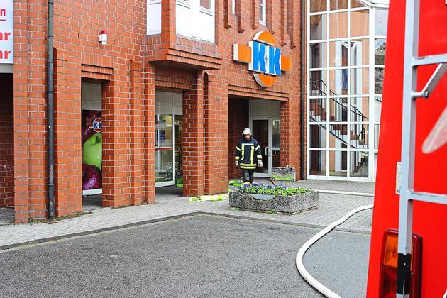 Feuerwehr-wird-zum-K-K-Markt-gerufen-Zigaretten-Kippe-als-Brandursache_image_630_420f_wn