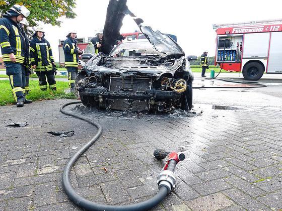 Pkw-Brand-auf-der-Tecklenburger-Strasse-Pkw-Brand-40-000-Euro-Schaden_image_630_420f_wn